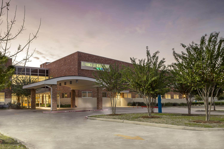 El Franco Lee Clinic 1
